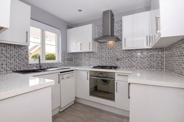 Thumbnail Semi-detached house to rent in St. Nicholas Place, Loughton