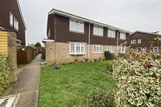 2 bed flat for sale in Anglesey Avenue, Hailsham, East Sussex BN27