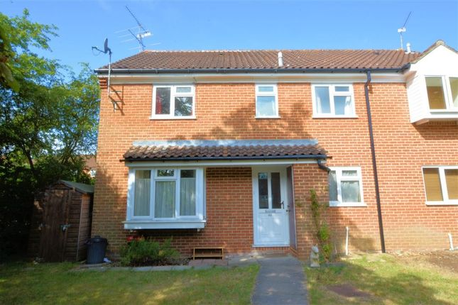 2 bed semi-detached house to rent in Bedfordshire Way, Wokingham