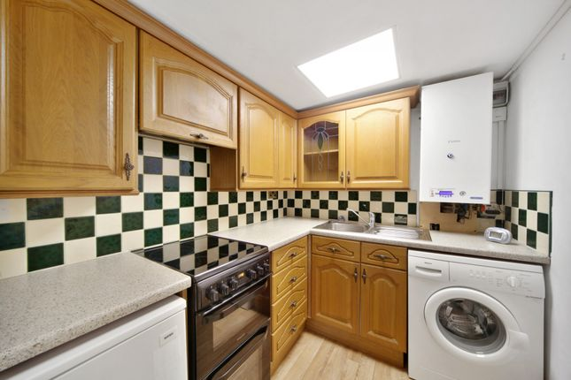 Thumbnail Flat to rent in Leopold Road, London, Ealing