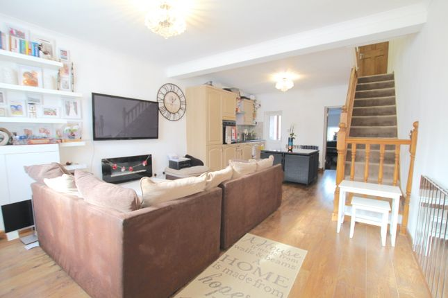 3 bed terraced house to rent in Brunswick Crescent, New Southgate N11