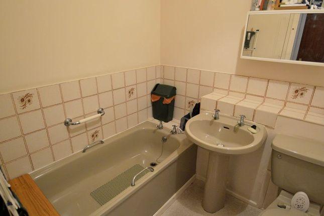 Bathroom of Wibert Close, Selly Oak, Birmingham B29