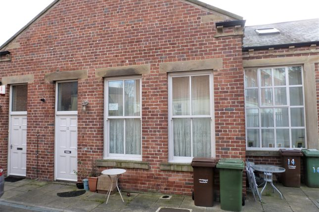 Thumbnail Mews house to rent in Heddle Rise, Alverthorpe, Wakefield