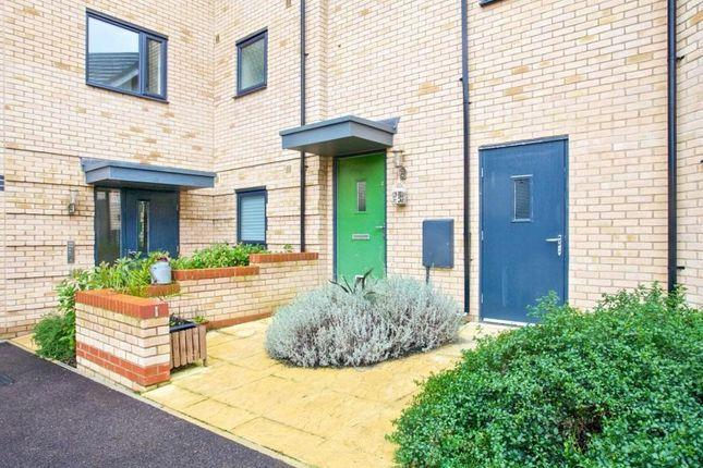 2 bed flat to rent in Westland Close, Upper Cambourne, Cambourne, Cambridge