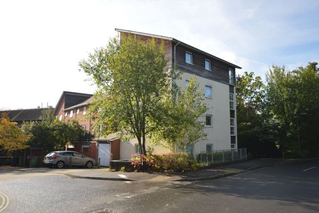 Thumbnail Flat to rent in Athelstan Road, Winchester