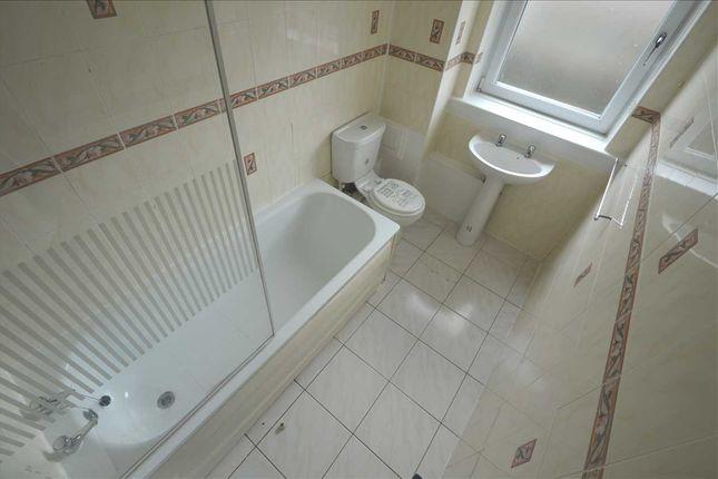 Family Bathroom of Pitcairn Terrace, Hamilton ML3