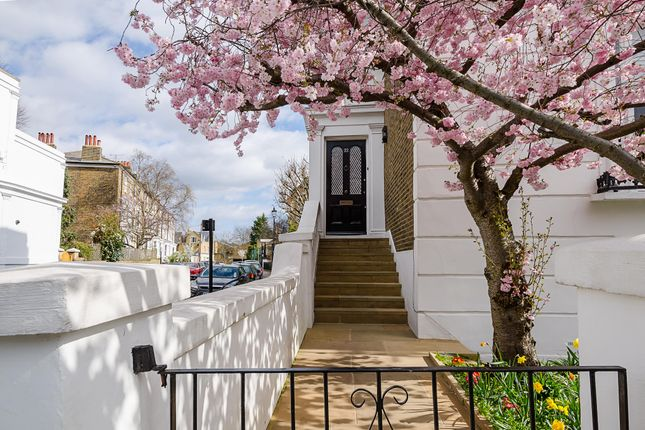 Thumbnail Town house to rent in Grafton Square, London