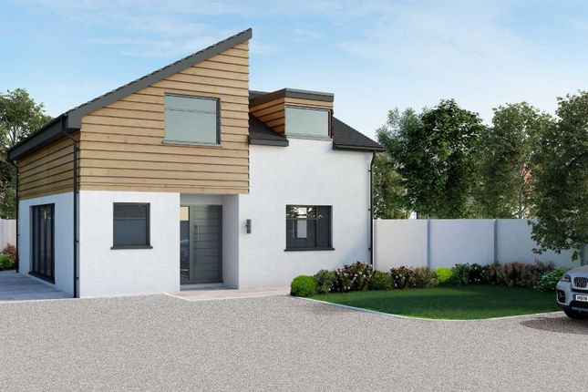 Thumbnail Detached house for sale in Blows Road, Dunstable