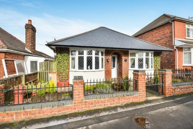 Thumbnail Bungalow for sale in Bourne Avenue, Kirkby-In-Ashfield, Nottingham, Nottinghamshire