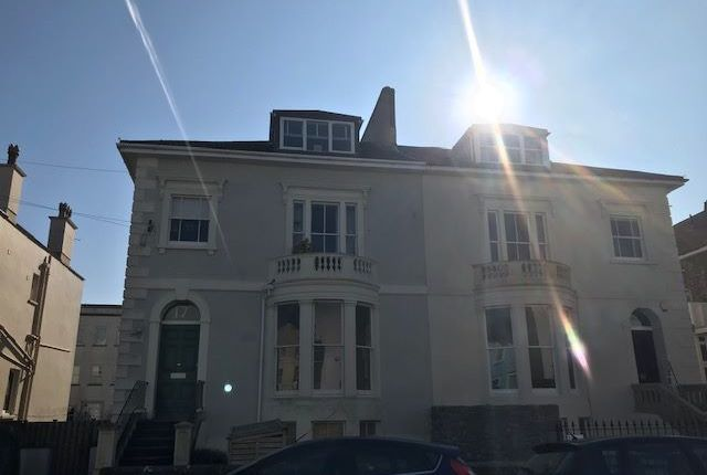 Thumbnail Flat to rent in Wellington Park, Clifton, Bristol