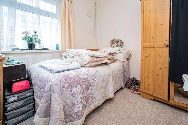 Picture No. 12 of Lynton Place, Llanrumney, Cardiff CF3