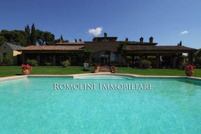 Trasimeno Lake Luxury Villa With Pool For Sale