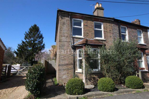 Thumbnail Cottage to rent in Brainsmead, Cuckfield