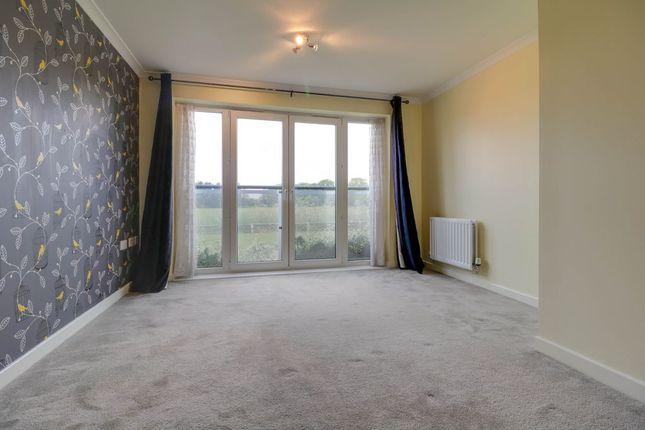 Living Room of Medici Close, Ilford IG3