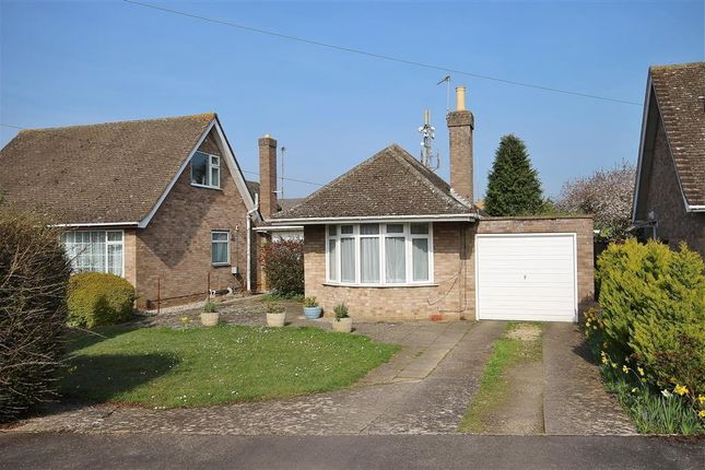 Thumbnail Detached bungalow for sale in Galley Field, Abingdon-On-Thames