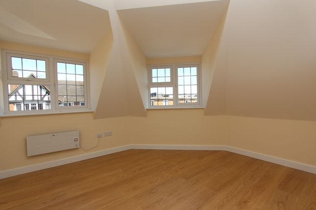 Thumbnail Flat to rent in The Arcade, Maxwell Road, Beaconsfield