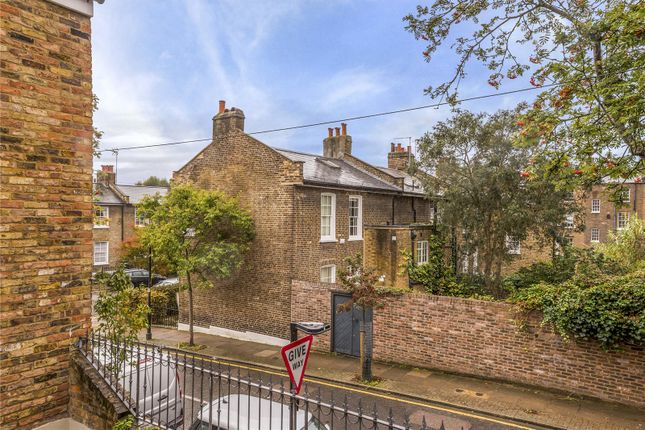 Picture No. 06 of Barnsbury Terrace, London N1