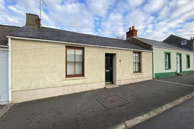 3 bed terraced house to rent in High Street, Pembroke Dock, Pembrokeshire SA72