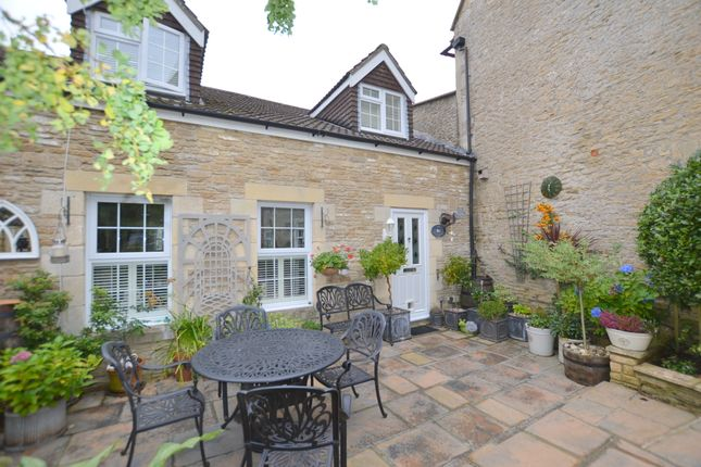 Thumbnail Semi-detached house for sale in The Maltings, Bath Road, Shaw