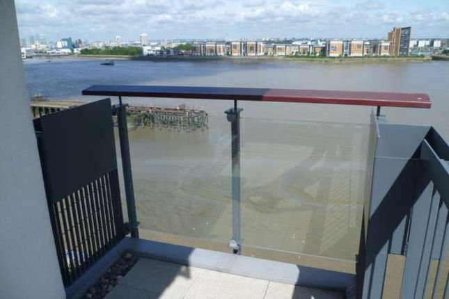 Thumbnail Flat to rent in Seventh Floor Apartment, Royal Artillery Quays, Riverside