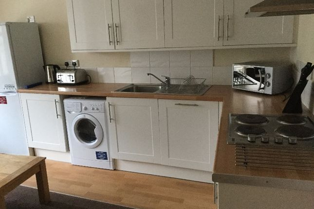 Thumbnail Flat to rent in Whitehall Crescent, City Centre, Dundee
