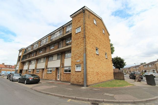Thumbnail Flat for sale in Emsworth Close, Edmonton