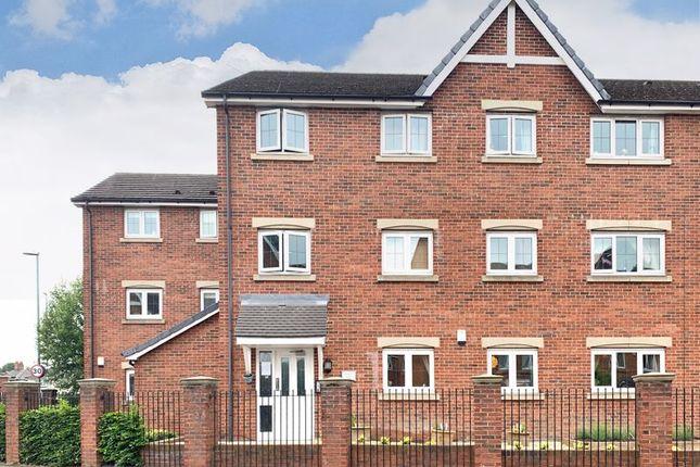 Flat for sale in Prospect Court, Morley, Leeds