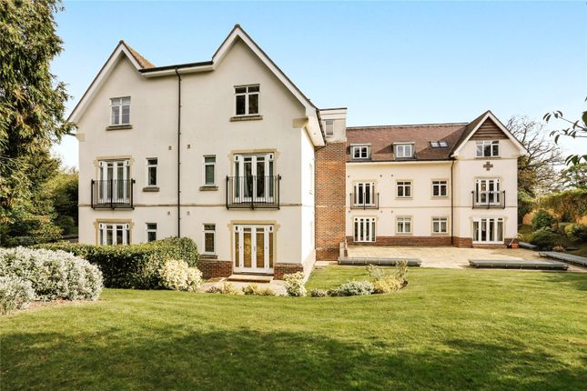 Thumbnail Flat for sale in Emineo, Station Road, Beaconsfield