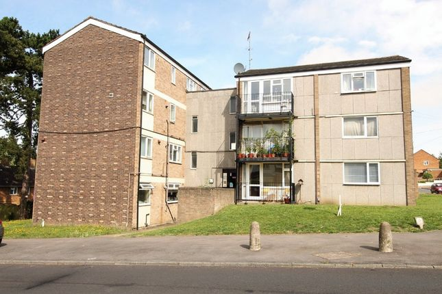 2 bed flat for sale in Long Chaulden, Hemel Hempstead