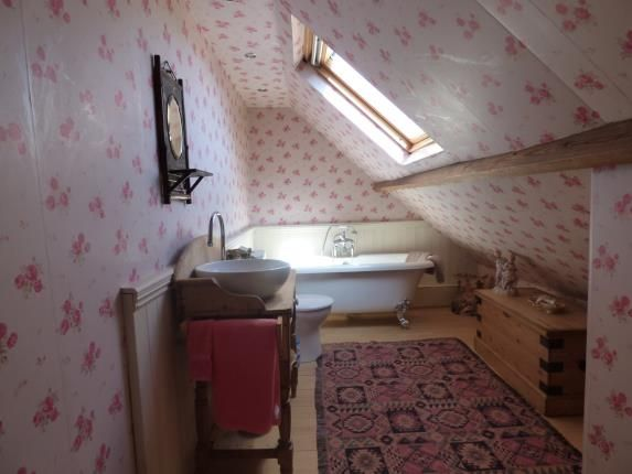 En-Suite of Loose Road, Maidstone, Kent ME15