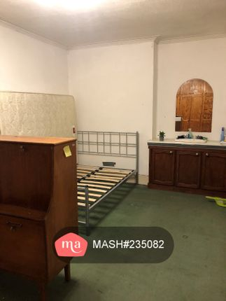 Thumbnail Semi-detached house to rent in Pownall Road, Hounslow