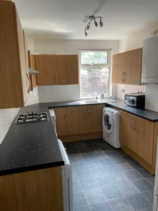 4 bed semi-detached house to rent in Whitby Road, Fallowfield M14