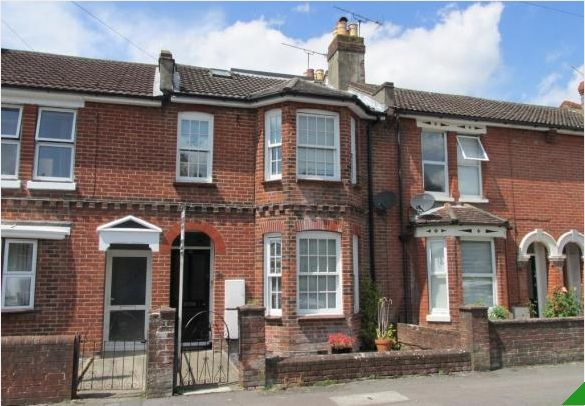 Thumbnail Shared accommodation to rent in Chamberlayne Road, Eastleigh