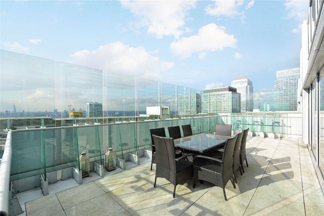 Thumbnail Flat for sale in Pan Peninsula Square, London