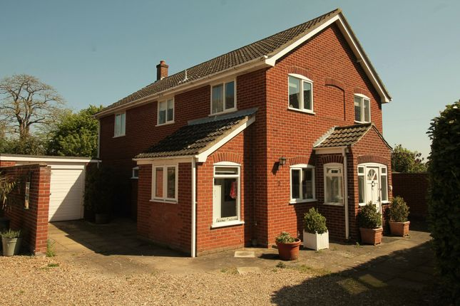 3 bed detached house to rent in Ravensmere, Beccles