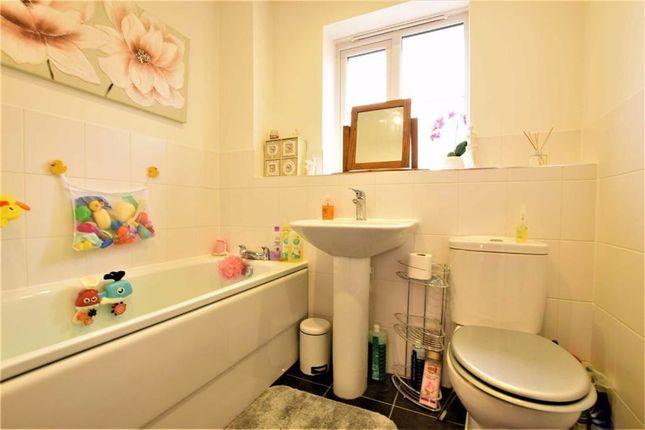Bathroom of Markhams Close, Basildon, Essex SS15