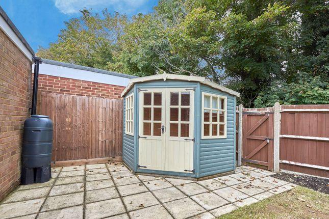 Picture No. 15 of Hobbs Close, St. Albans, Hertfordshire AL4