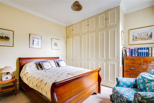 Bedroom of The Crescent, London SW13