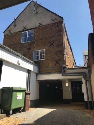 2 bed flat to rent in 30B Horsefair, Banbury OX16