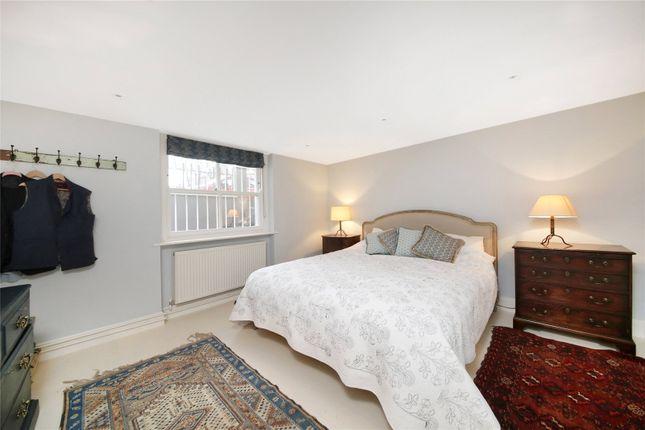 Bedroom of Cornwall Crescent, London W11