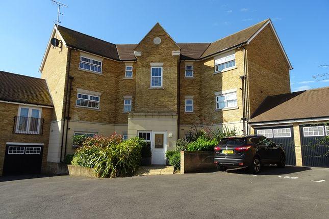 Thumbnail Flat to rent in Hazel Avenue, Minster, Sheerness, Kent.