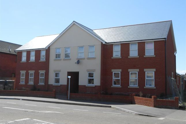 Thumbnail Maisonette to rent in Old Road, Clacton-On-Sea