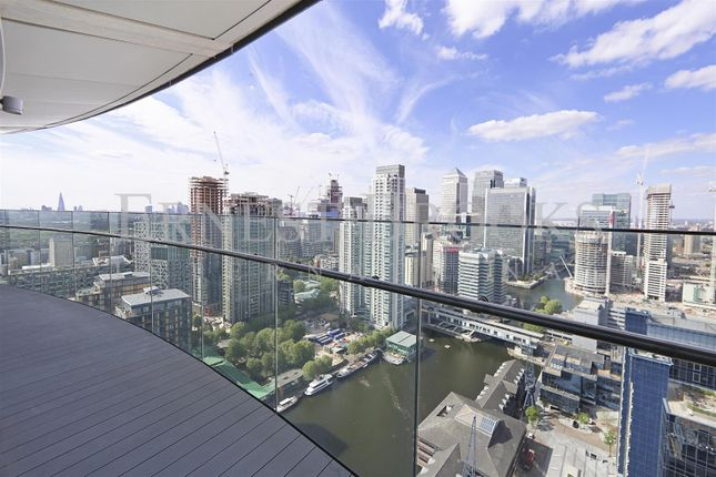 Flat for sale in Arena Tower, 25 Crossharbour Plaza, Canary Wharf