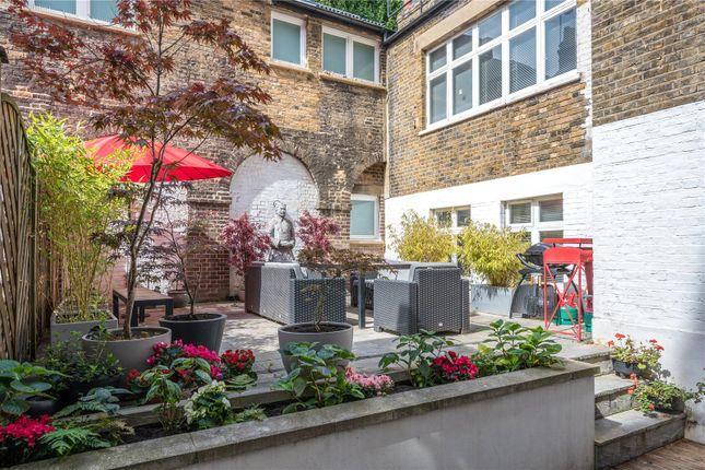 Terrace of Guilford Street, Bloomsbury, London WC1N