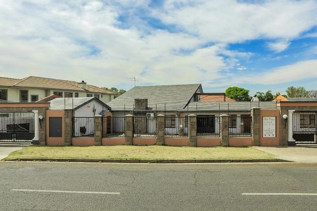 4 bed detached house for sale in 4 Louw Wepener St, Alberante, Alberton, 1449, South Africa