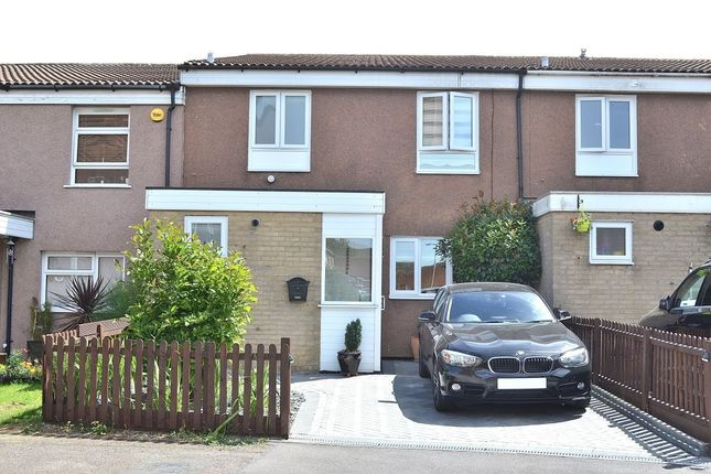 Thumbnail Terraced house for sale in Mallows Green, Harlow