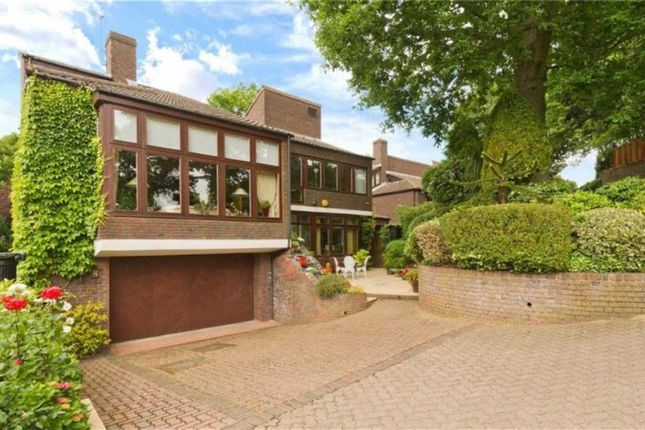 Thumbnail Property for sale in Grange Gardens, Hampstead, London