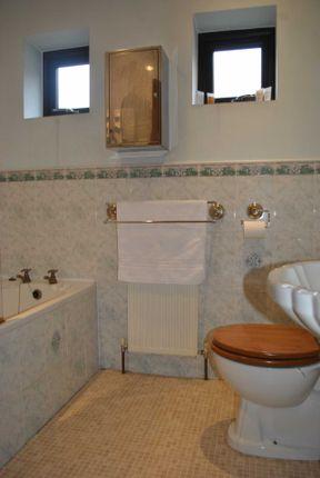 Bathroom of Arrunden Court, Dunford Road, Holmfirth HD9