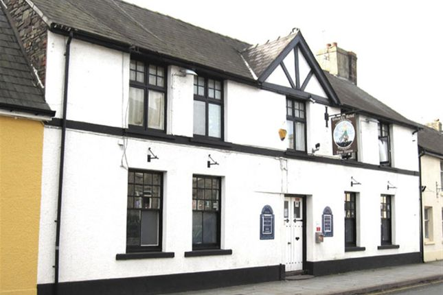 Thumbnail Pub/bar for sale in Powys LD3, Powys