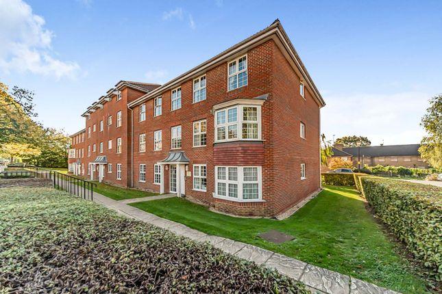 2 bed flat for sale in Cole Green Lane, Welwyn Garden City AL7